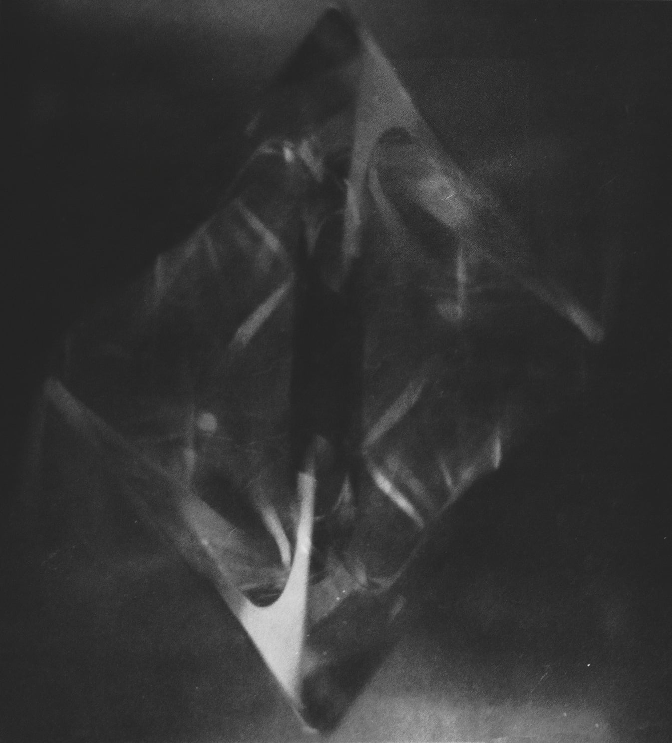 Johanna Daab | Das Phantom, 2016 | 22 x 26 cm / 75 x 90 cm, Silbergelatineabzug