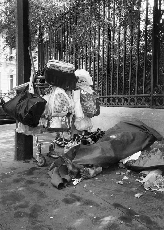 Cornelius Popovici | Paris je t'aime , o.T. 1 | 2012–2014 | Kleinbild-Negativ | © beim Fotografen