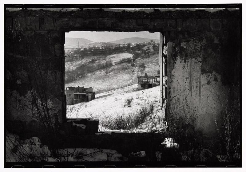 Preisträger 2011: Christian Werner | Ausblicke in die Vergangenheit II | Mitrovica, Kosovo | © beim Fotografen