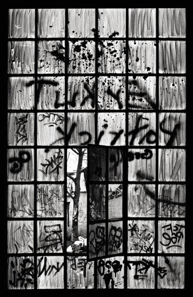 Katarina Ivanisevic | Frankfurt III | Serie: Fenster – Ausblicke, Einblicke, Durchblicke 2009/10 | © beim Fotografen