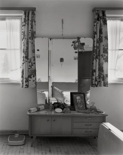 Johanna Diehl | Serie: Gefrorene Räume | Haus Fischerweber, Rottach 2 | © beim Fotografen