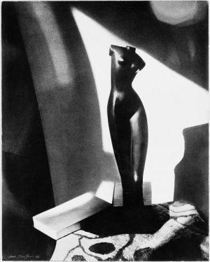 Komposition mit Archipenko-Skulptur (1943)